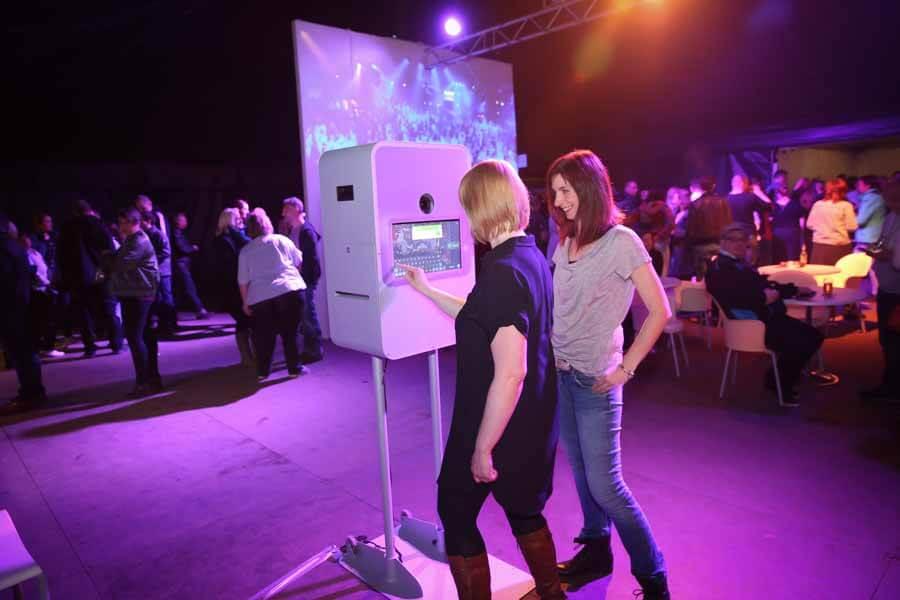 Photobooth Fotobox Fotoautomat Fotobus Fotobulli Mieten