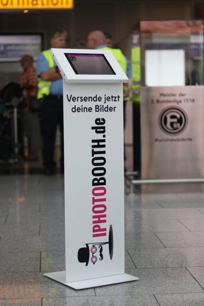 Social Media Kiosk mieten in Düsseldorf